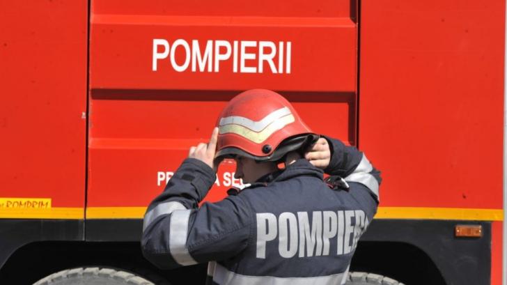 Incendiu puternic la o fabrică de mase plastice din Hunedoara
