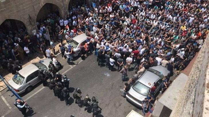 Violenţe la frontiera cu Fâşia Gaza: sute de palestinieni, răniţi în confruntări