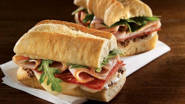 De ce nu ar trebui să mănânci sandvișuri la prânz sau la cină