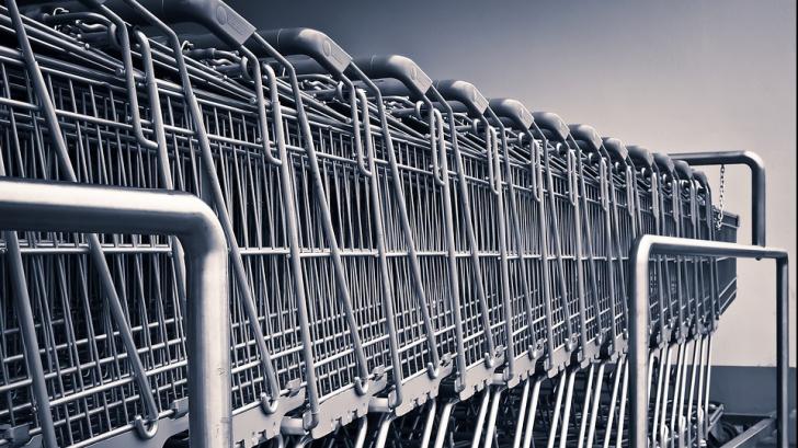 Cele trei greșeli care te fac să cheltuiești prea mult la supermarket