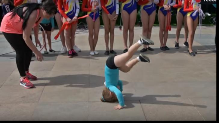 """Klaus Iohannis, prima reacție în cazul copilei care a stat în cap pe asfalt, la """"Simfonia Lalelelor"""""""
