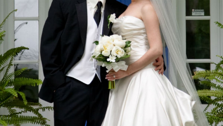 Un mare actor s-a căsătorit în secret. Are o soţie cu 33 de ani mai tânără