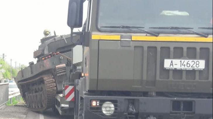 Tanc răsturnat în judeţul Prahova. Traficul este restricţionat. Imagini de la locul accidentului