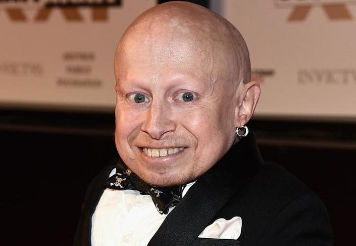 Actorul Verne Troyer, care a jucat rolul lui Mini-Me în două filme de comedie Austin Powers, a murit