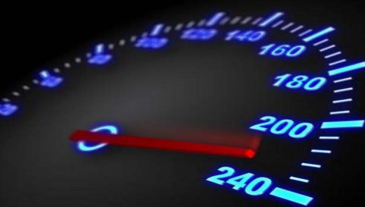 Record de viteză pe autostrăzile din România. Ce au descoperit poliţiştii