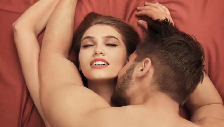 Practica sexuală după care femeile sunt complet înnebunite. În ce constă