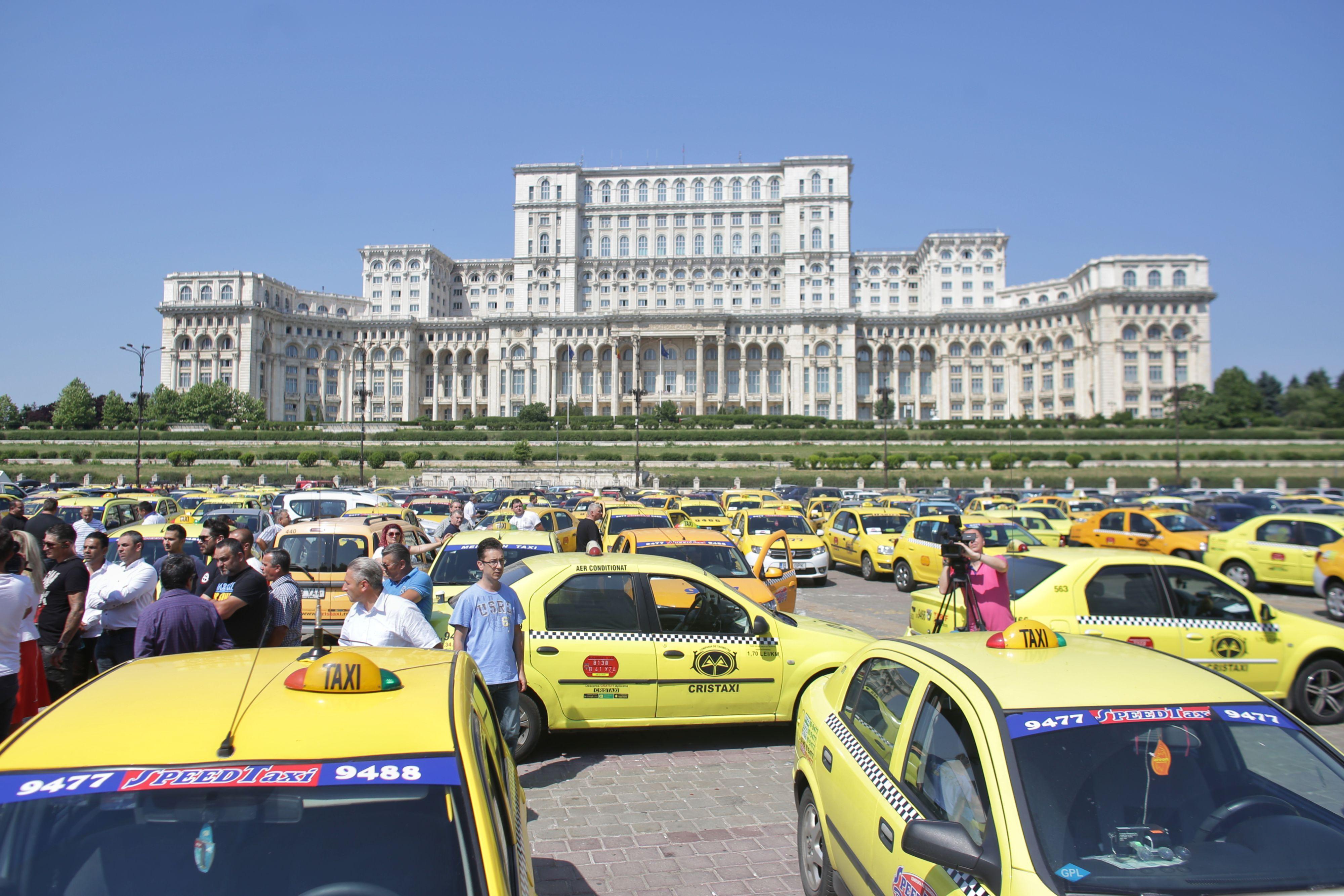 Protest Taximetristi: Centrul Capitalei, Blocat: Violenţe La Protestul