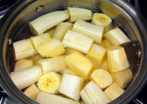Bea apa în care ai fiert câteva banane şi vei observa rezultatele miraculoase peste noapte!
