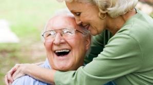 Atenţie! Vârstnicii care nu se protejează de soare ajung la medic cu tumori în stadii avansate