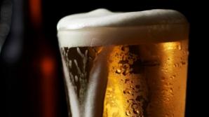 Consumul moderat de bere crește colesterolul bun. Care e numărul maxim de pahare