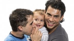 Schimbare la nivel legislativ în Grecia: cuplurile homosexuale vor putea lua copii în plasament