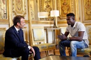 Spider Man primit de Macron