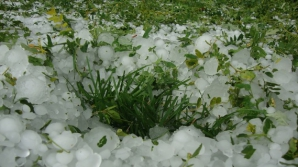 ALERTĂ METEO de fenomene periculoase: COD GALBEN de furtuni şi grindină. HARTA