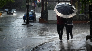 Informare meteo: Ploi torenţiale în mai multe zone din ţară