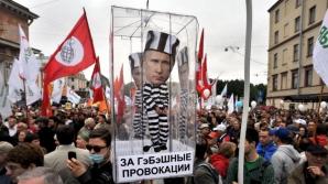 Rusia. Proteste anti-Putin. Protestari reţinuţi