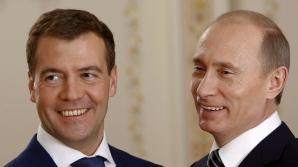 Vladimir Putin îl propune tot pe Medvedev pentru funcţia de premier al Rusiei