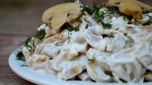 Ciuperci. Cum să prepari o delicioasă salată de ciuperci. Toată lumea îţi va cere reţeta