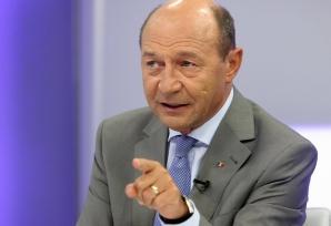 Băsescu, despre decizia CCR: O rară ticăloşie. De astăzi, procurorii sunt subordonaţi politic