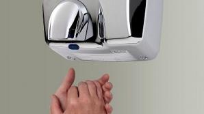 Ştiai că... uscătoarele de mâini îţi pot pune în pericol sănătatea?