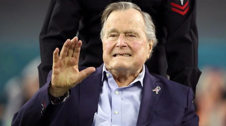 George H.W. Bush a fost externat după aproape două săptămâni de spitalizare