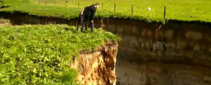 <p>Groapa uriasa din Noua Zeelandă</p>