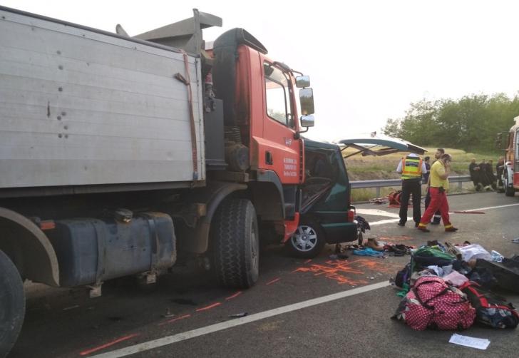 Nouă români au murit într-un accident din Ungaria|FOTO