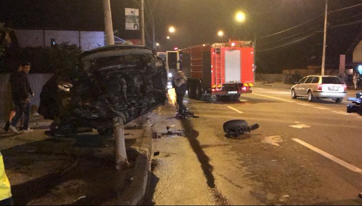 Accident incredibil, maşina făcută praf, şoferul nevătămat