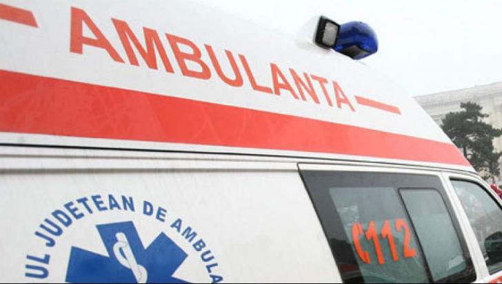 ACCIDENT grav: 7 copii au ajuns la spital după ce un microbuz s-a ciocnit cu un autoturism