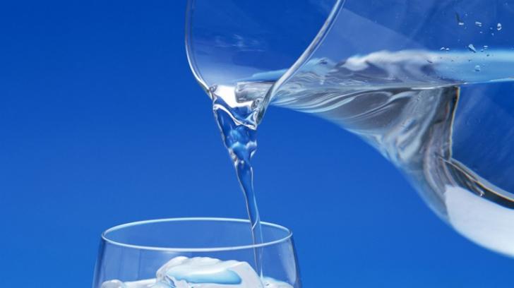 Câtă apă trebuie să bei, de fapt, în funcţie de greutatea ta
