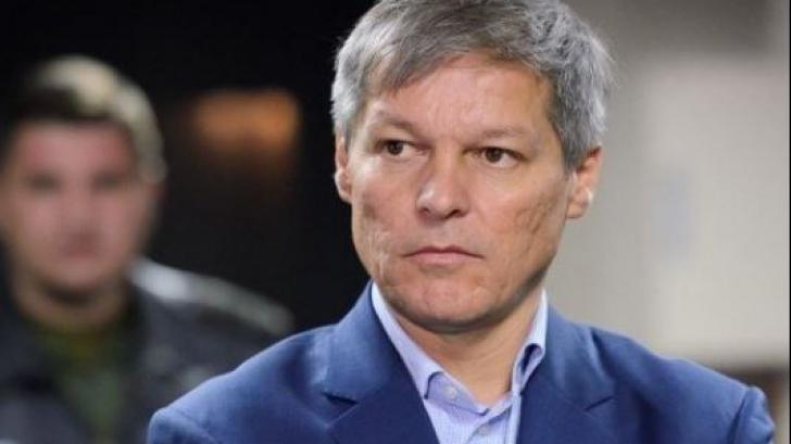 Dacian Cioloș, acuzat de ilegalități