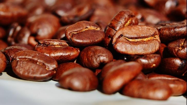 Alimentele despre care nu știai că au cofeină. Atenție cât de mult mănânci