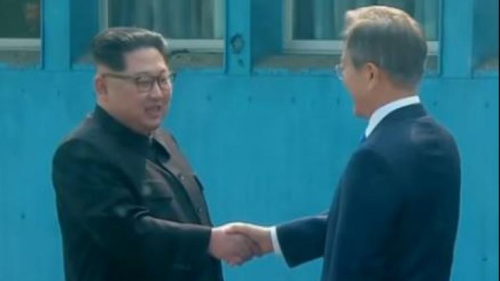 Întâlnire surpriză între liderii celor două Corei