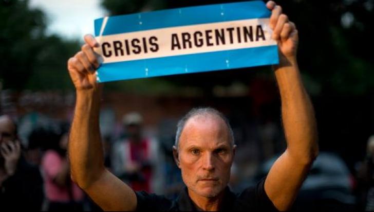 Criza din Agentina, model nefericit pentru România?