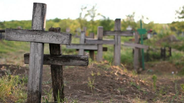 De ce se dezgroapă morţii, la 7 ani de la înmormântare? Motivele te vor şoca