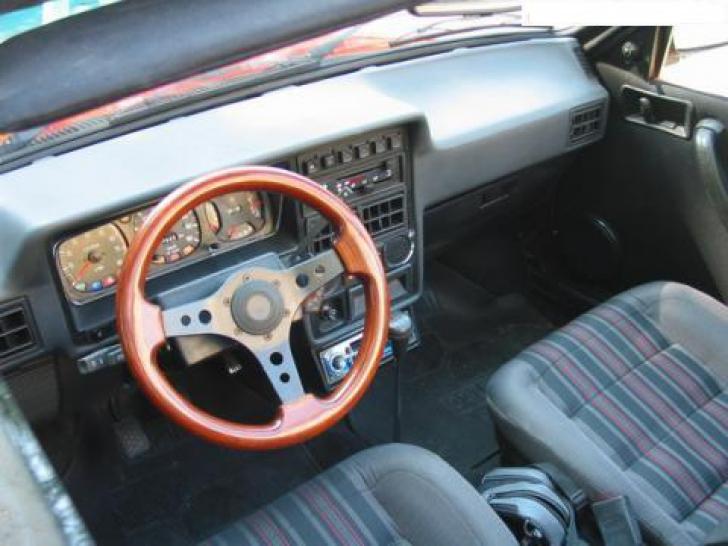 Dacia. Dacia Convertible. Decapotabila de la Dacia care avea spate de ARO