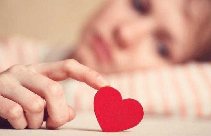 Când îţi vei găsi marea iubire, în funcţie de horoscop. Zodiile condamnate la singurătate
