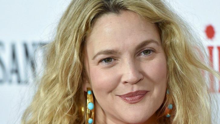 Drew Barrymore a dezvăluit remediul natural care a scăpat-o de roșeața feței