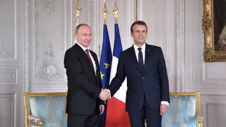 Emmanuel Macron, la prima vizită oficială în Rusia. Ce îşi doreşte preşedintele francez