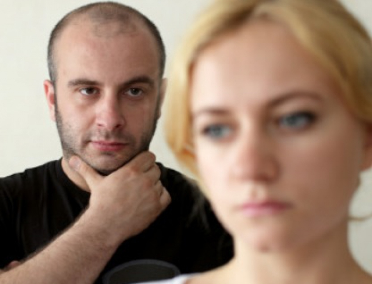 3 femei din horoscop care vor minți cu neruşinare în dragoste. Relaţia de cuplu, în pericol!