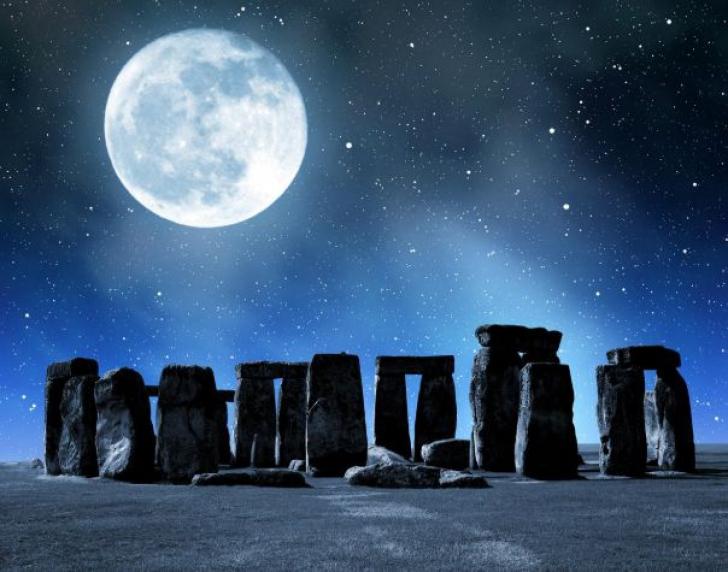 Luna plină florală de marți noaptea. Imagini superbe adunate din colțurile lumii
