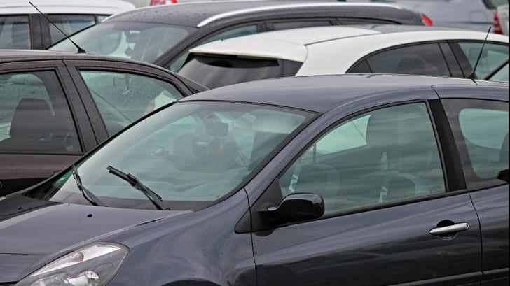Ce ar trebui să faci de fiecare dată când lași mașina într-o parcare