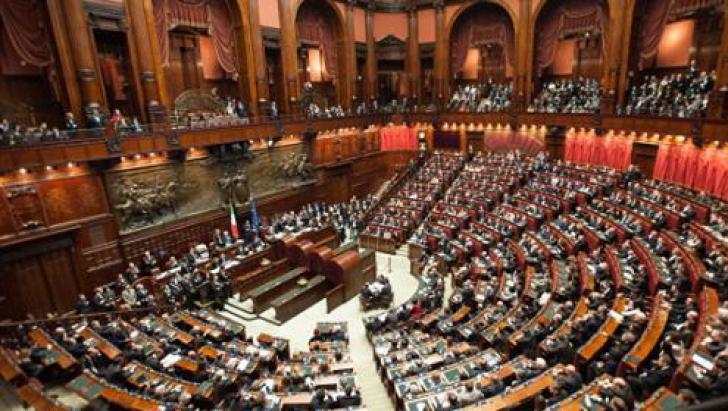 Preşedintele Italiei a dat undă verde unui guvern populist