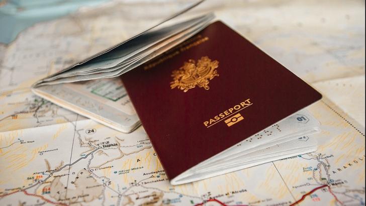 Decizie privind programul serviciilor de pașapoarte