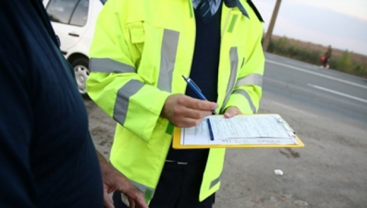 Peste 500 de permise de conducere, reţinute în ultimele 24 de ore