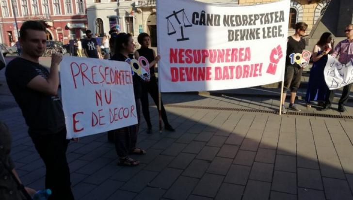 Revocarea lui Kovesi scoate iar românii în stradă! Protest în Piaţa Victoriei, din Bucureşti / Foto: Ziua de Cluj