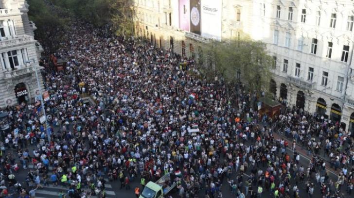Proteste de amploare la Budapesta: mii de oameni în stradă