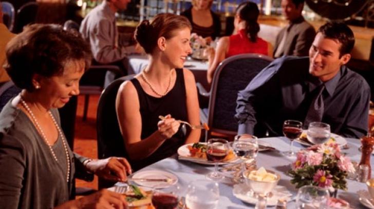 Sfaturi ca să mănânci sănătos la restaurant. Ce să nu faci niciodată
