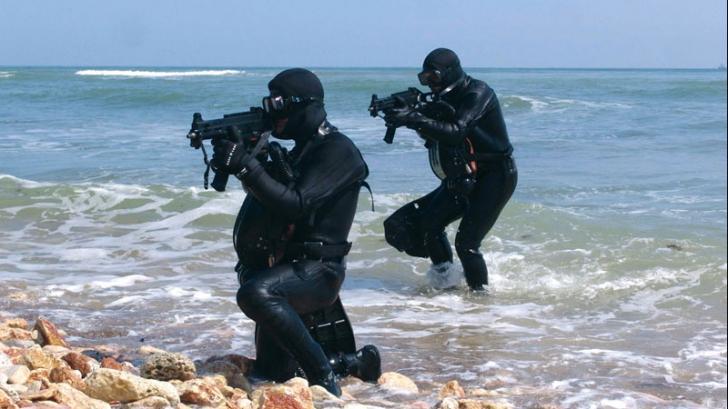 Misiune explozivă pe Marea Neagră: scafandrii militari au distrus o mină marină