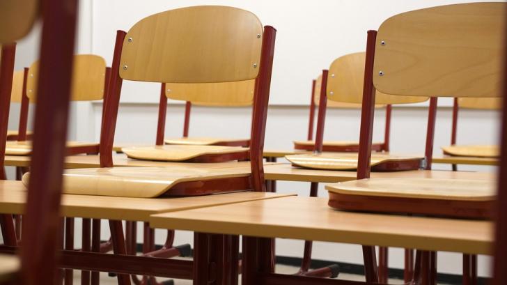 ISU: Din cele 403 școli din București, doar cinci au autorizație de securitate la incendiu