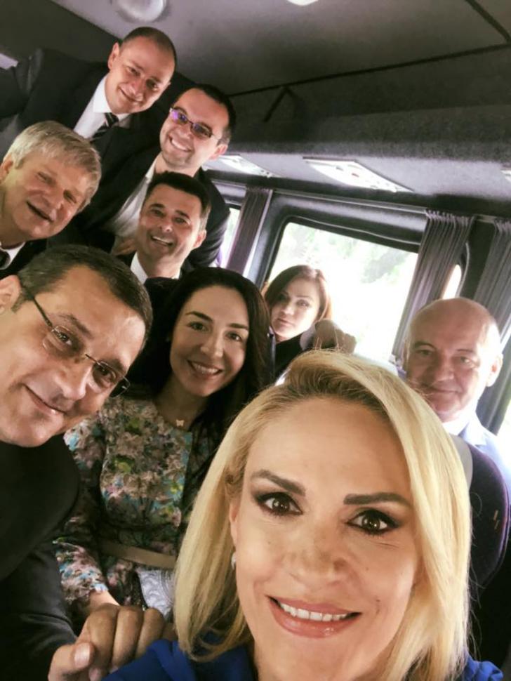 Selfie PSD. Cum au mers social-democrații la recepția de Ziua Europei